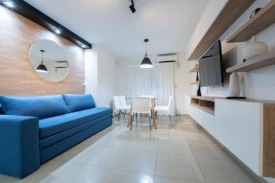 Velez Sarsfield 700 ( 2 Dormitorios / Balcon con asador )